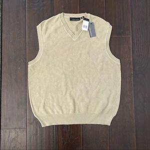New Greg Norman men's vest size Medium